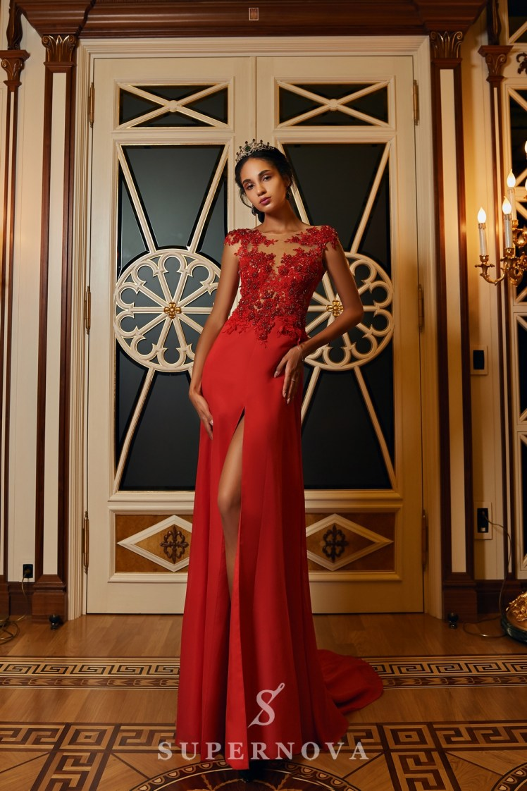 Evening dress with a slit and a lace corset on wholesale from Super Nova.-3