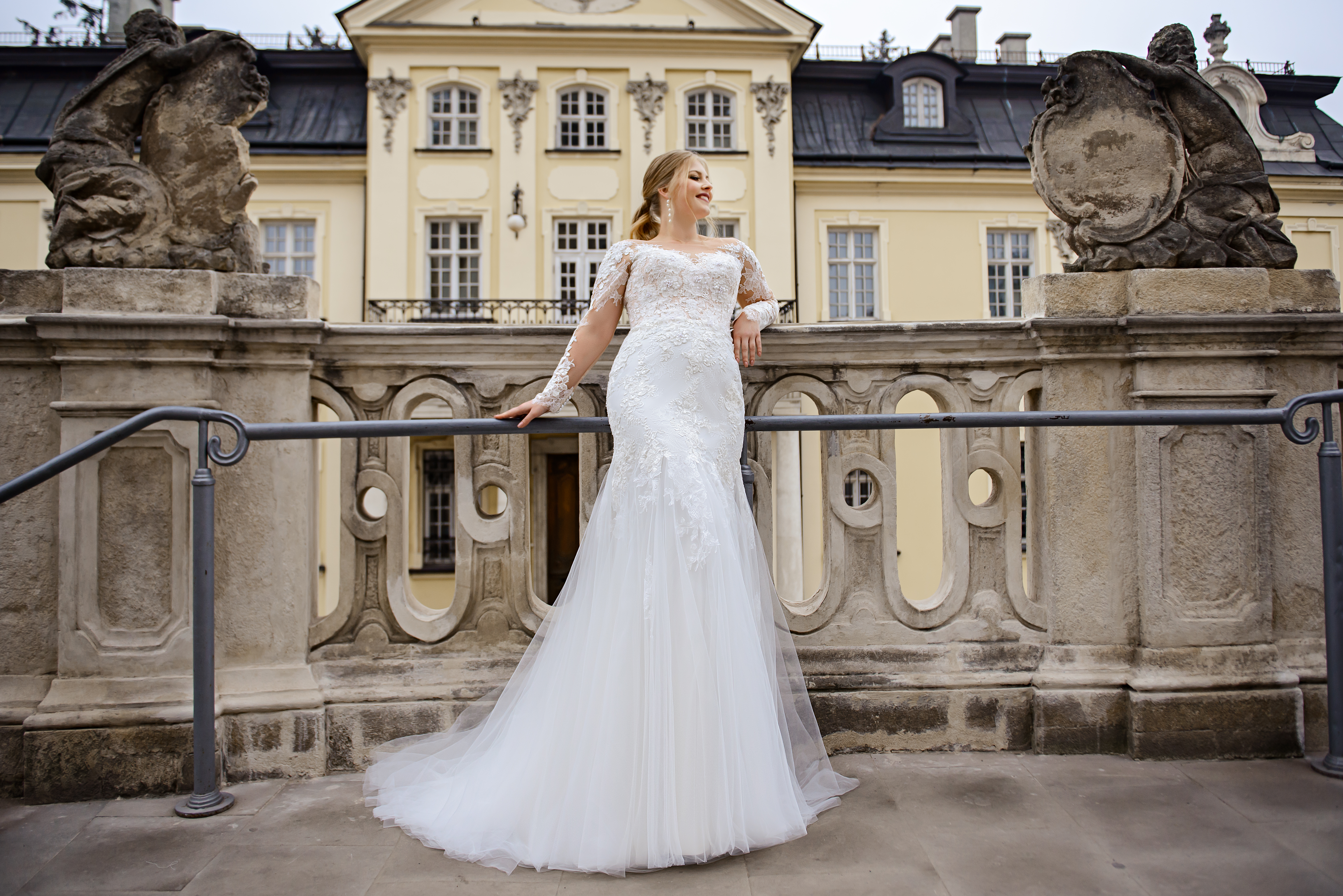 Plus size wedding dress in godet style on wholesale from SuperNova company-1