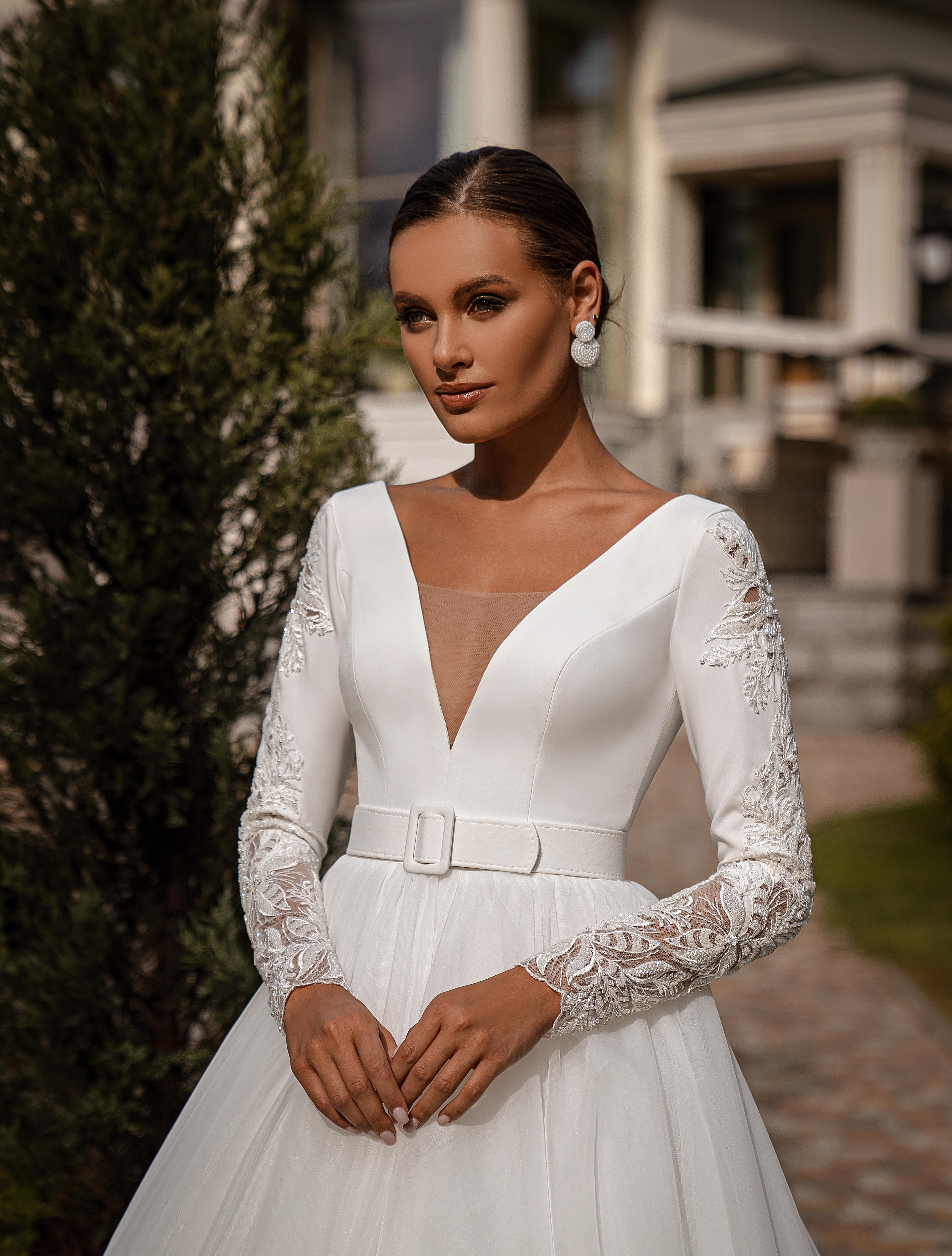Bесільна сукня з довгими рукавами-1