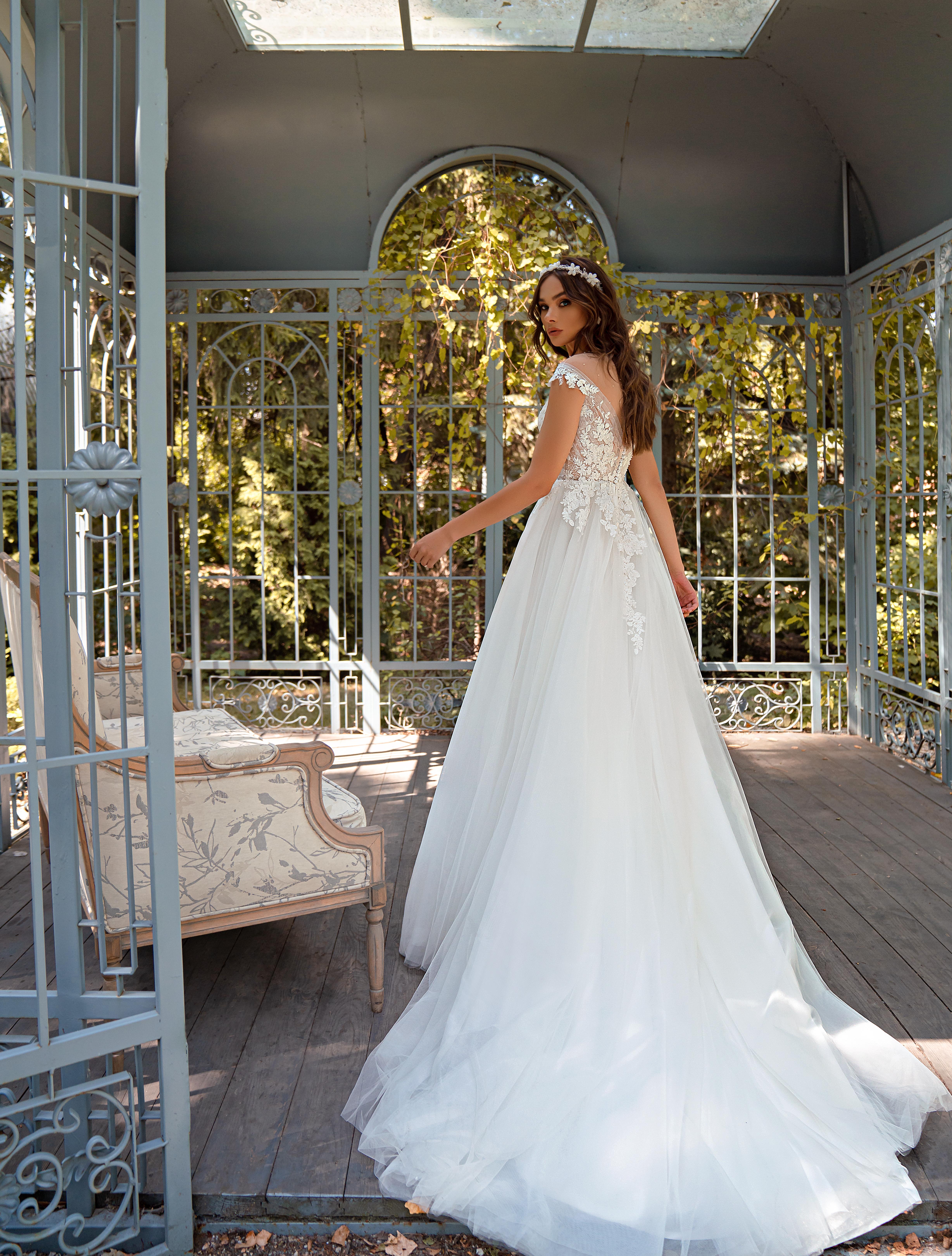 Свадебное платье «А»-силуэта-1
