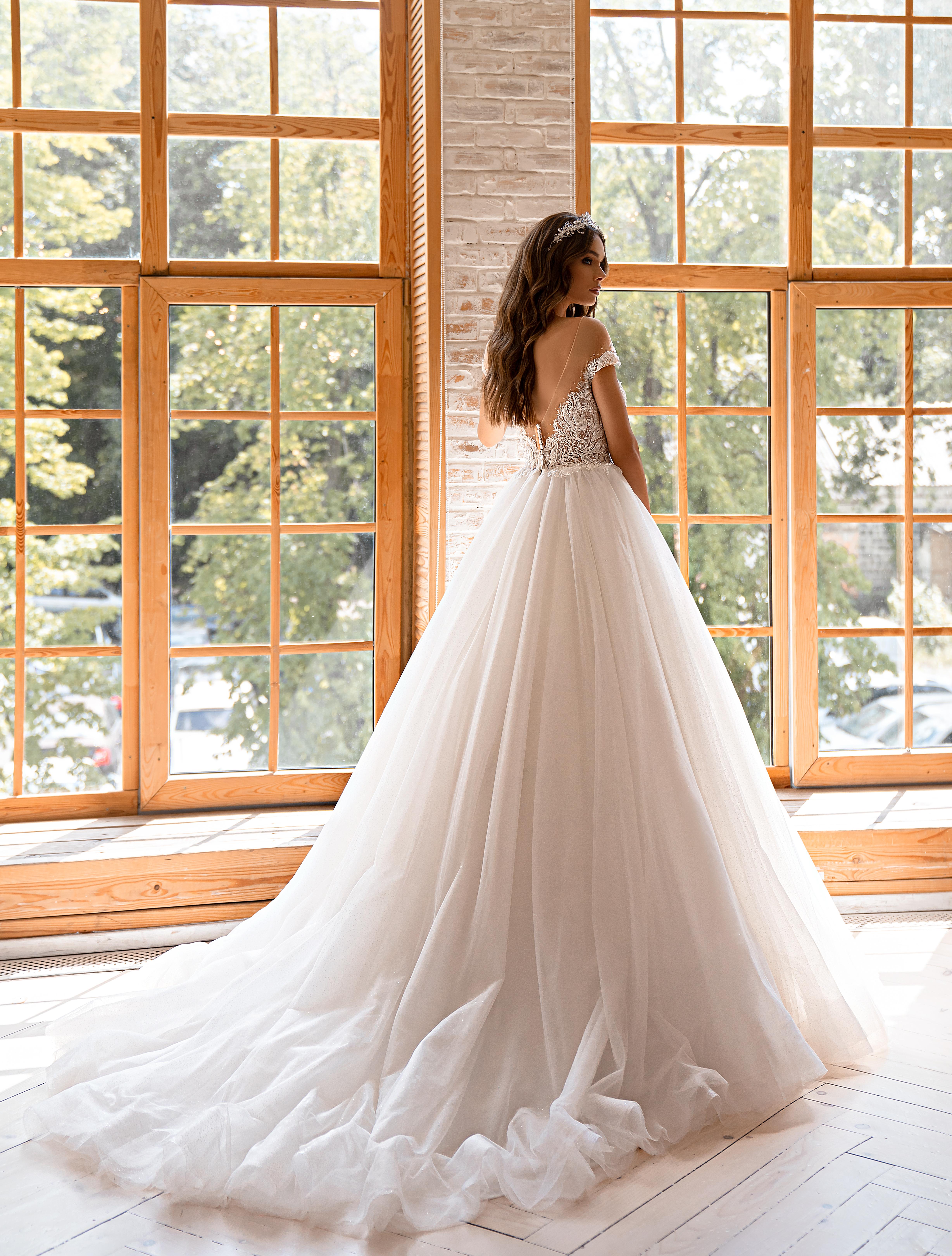 Свадебное платье в стиле принцесса-1