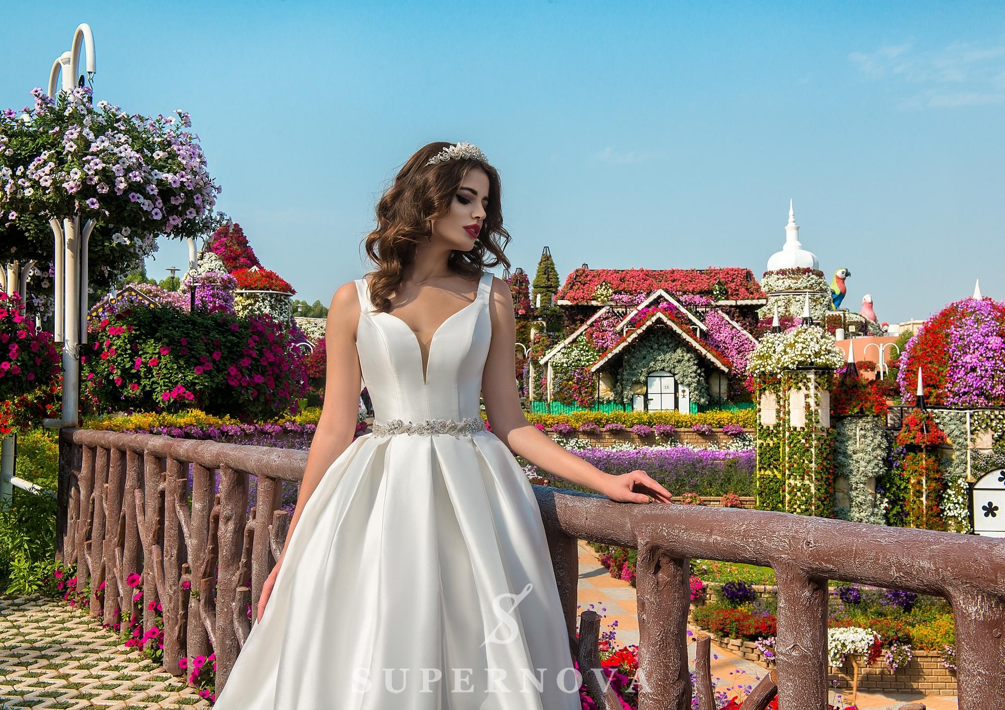 Свадебное платье на бретелях-1