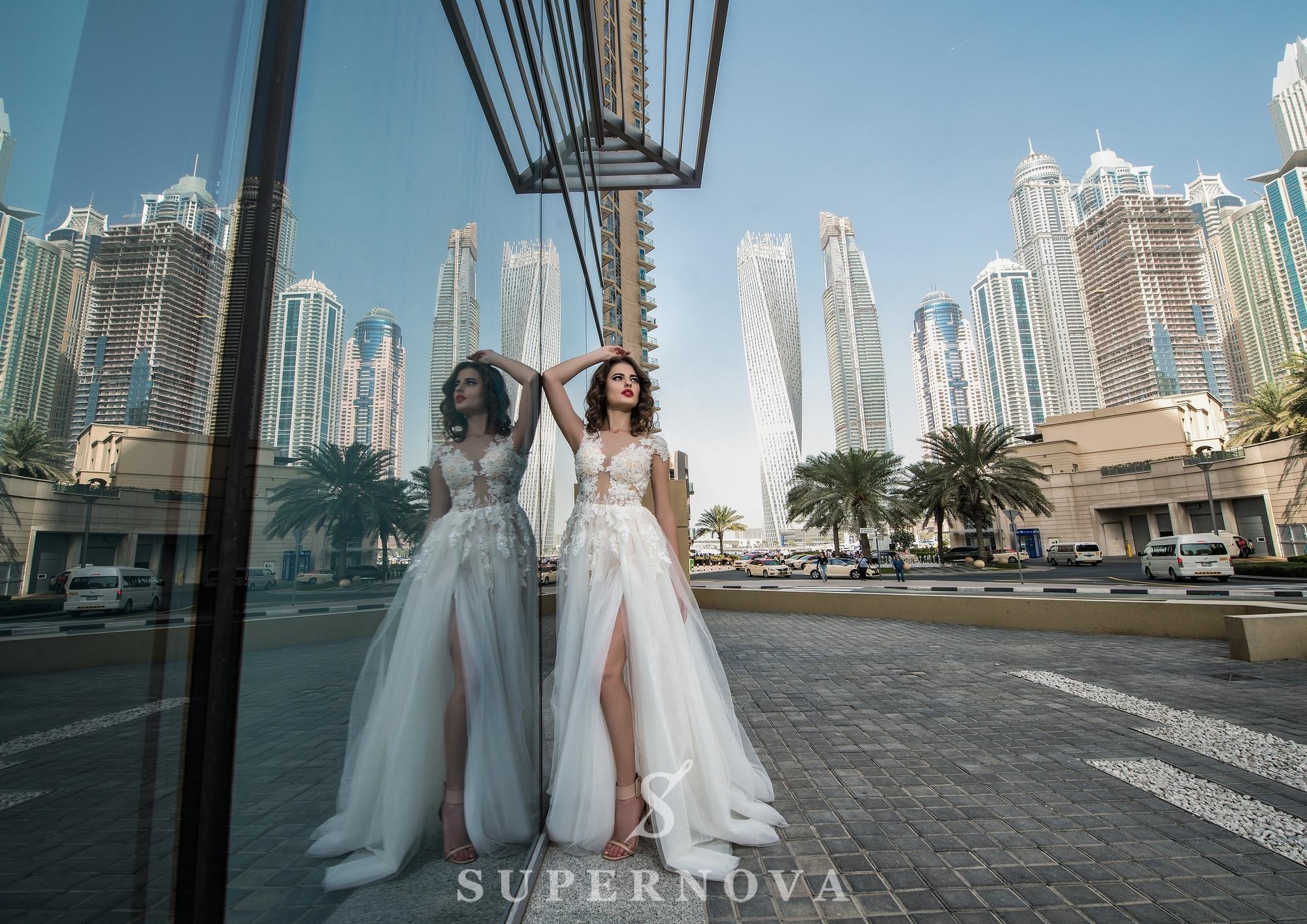 Весільна сукня з розрізом-1