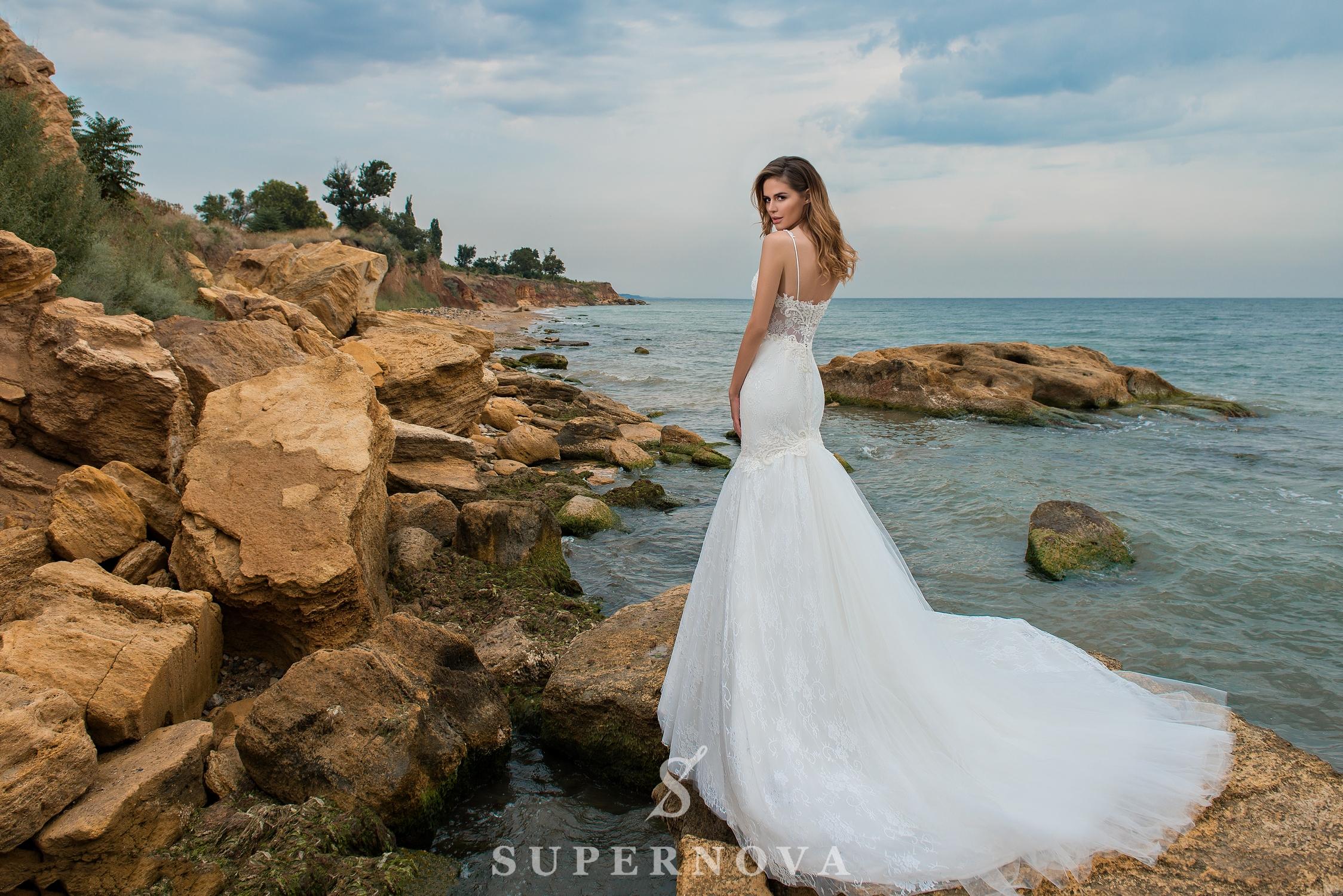 весільна сукня «рибка» на бретелях-1