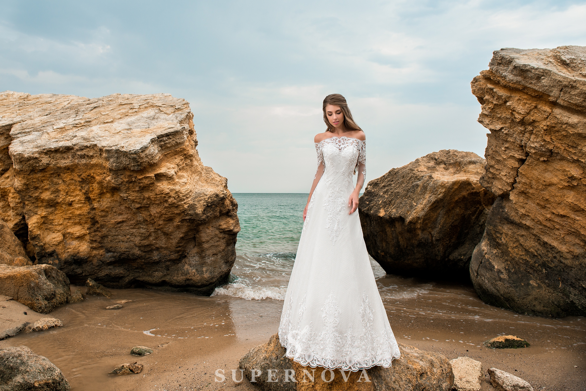 A-line silhouette wedding dress with a train-1
