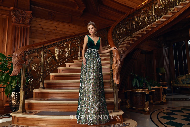 Rochia de seară cu corset de velur și cu fustă bufantă de la Super Nova-1