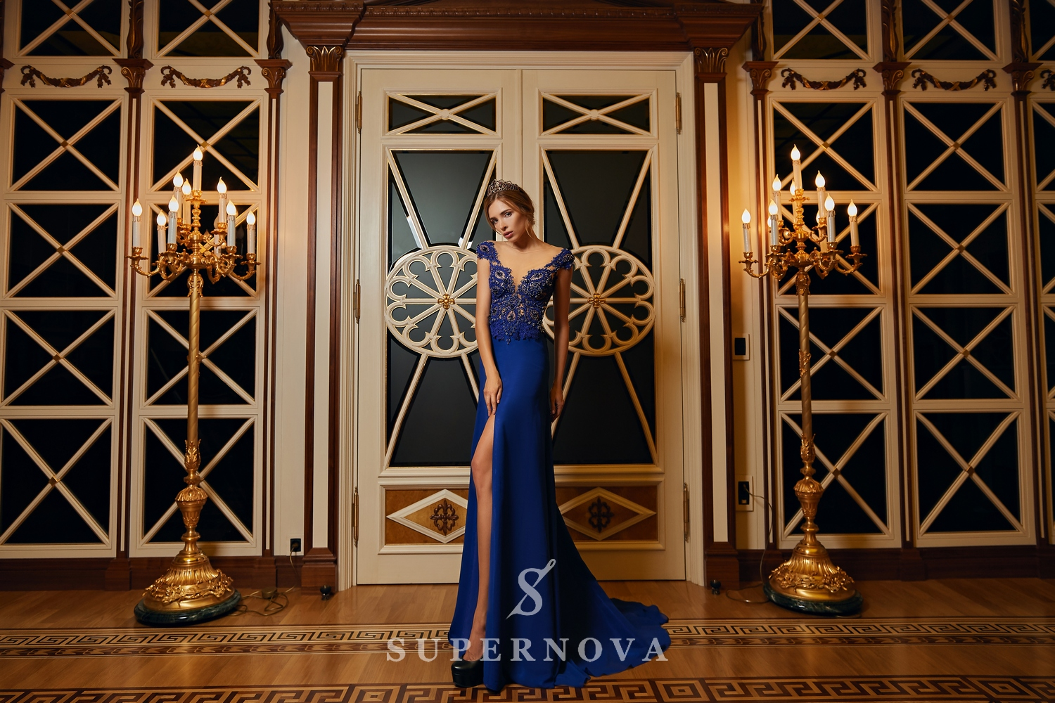 Evening dress with a slit and a lace corset on wholesale from Super Nova.-1